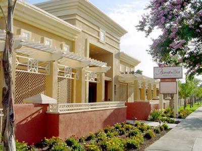 Skilled Nursing Facility in Los Alamitos
